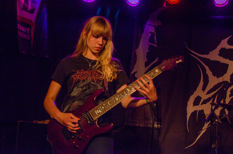 sisters_of_suffocation-03