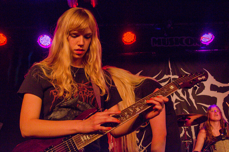sisters_of_suffocation-05