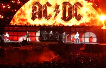 Can AC/DC really survive with Axl Rose as frontman?
