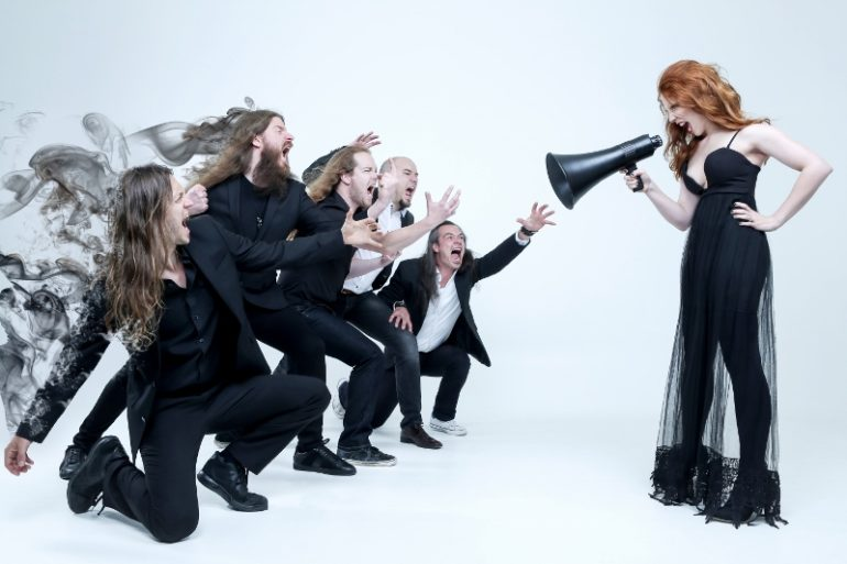 "Interview with Epica: ""We're glad the orchestra fits in our laptop!"""